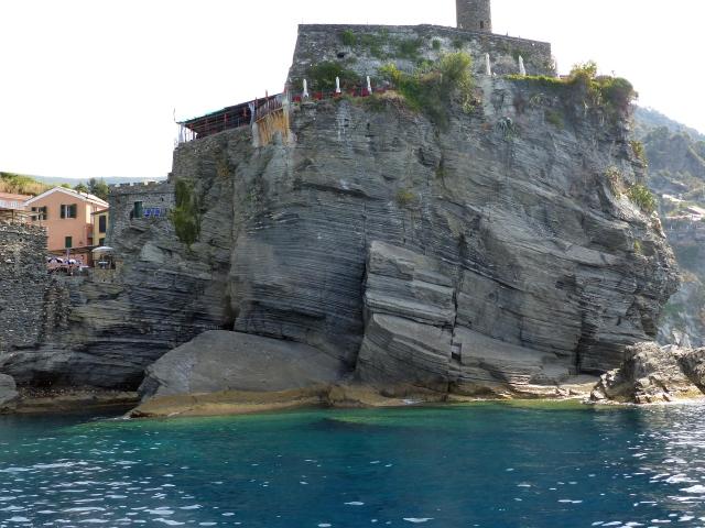 Roccia sul mare